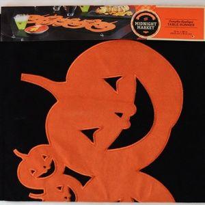 Midnight Market Pumpkin Applique Table Runner NEW